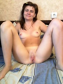 Adored aged gilf getting undressed on pictures